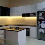 Desain Kitchen Set Yang Sesuai Interior Ruangan