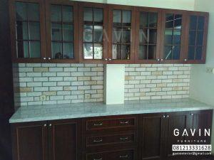 kitchen set dapur bersih desain klasik